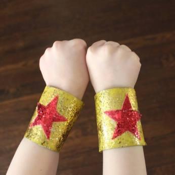 Braceletes de super-herói